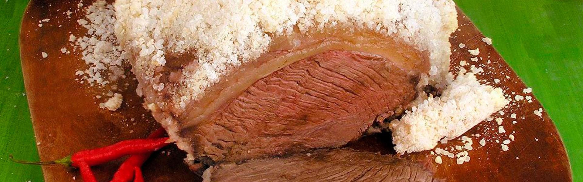 Como fazer uma picanha engessada no sal grosso